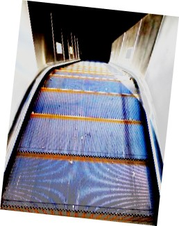escalator-2-resize-a-color-tilt